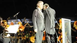 """Andrea Bocelli canta """"Tristeza"""" durante inauguração da Eldorado Brasil"""