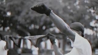 Musik-Video-Miniaturansicht zu Pig Feet Songtext von Terrace Martin & Denzel Curry