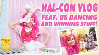 HAL-CON VLOG! ♡ COSPLAY CONTEST AND PIXIE IN A MAID CAFE!