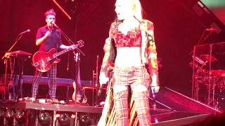 """Red Flag"" –– Gwen Stefani LIVE at Irvine Meadows !!!"