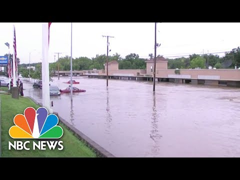 Kansas City Withstands Massive Flooding | NBC News