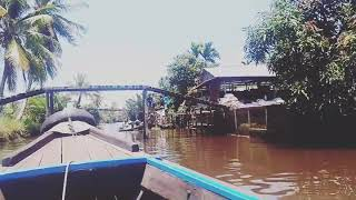 preview picture of video 'Transportasi sungai di Desa Tanjung Saleh, Kec. Kakap, Kalimantan Barat'