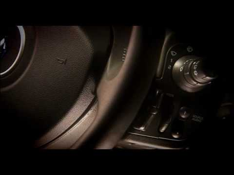 Renault Clio Hatchback (2005 - 2012) Review Video