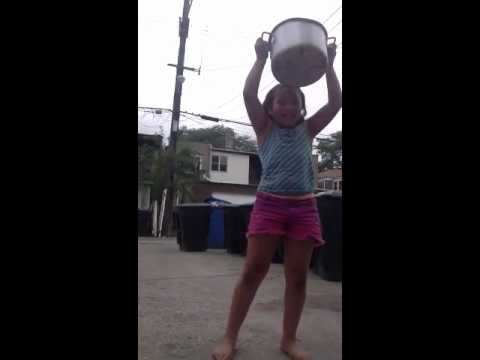 Whatch a little girl put ice bucket challenge
