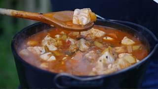 Fisch satt! Fischsuppe vom Raketenofen | Dutch Oven Rezept #4K