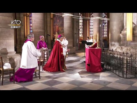 Vénération de la Sainte Couronne d'épines à Notre-Dame de Paris