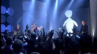 Depeche Mode en Top of the Pops con A Pain That I'm Used To (TV PERFORMANCE)