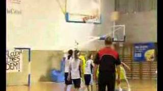 preview picture of video 'CB Alcúdia - Sant Josep infantil femenino (Camp.Mallorca)'