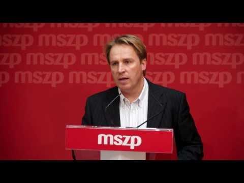 Fideszes kampány üzenőfüzetben
