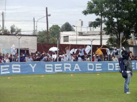 """""""El Que No Salta se va a la D!! - DefensoresUnidos.com"""" Barra: La Banda de Villa Fox • Club: CADU • País: Argentina"""