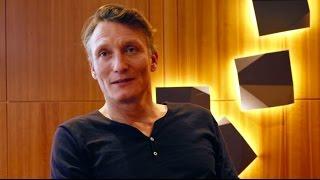"""""""Tödliche Geheimnisse"""": Oliver Masucci Im Interview"""