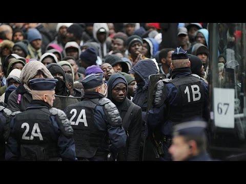 Γαλλία: Εκκενώθηκε αυτοσχέδιος καταυλισμός με 3000 πρόσφυγες στο βόρειο Παρίσι – world