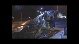 При ДТП отбойник проткнул Hyundai. Водитель чудом остался жив