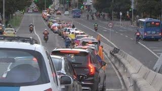 Seguidores De Uribe Salen En Caravanas A Las Calles De Colombia Para Apoyarlo