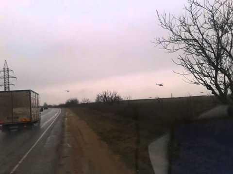 Umstrittene russische Panzer-Verlegung auf die Krim [mit Videos]