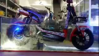 Test khả năng chống nước của xe máy điện Giant m133 S8 chính hãng Osakar - 0977.378.185