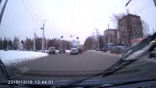 Опасный маневр на проспекте Победы в Пензе
