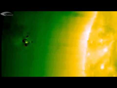 UFOs, Holograms and Anomalies near the Sun in the official NASA pictures – Review for June 21, 2013