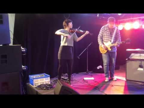 Kawai: Ralph Maten und Band