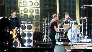 Pearl Jam - Arms Aloft - Live - Isle Of Wight Festival - 23 June 2012