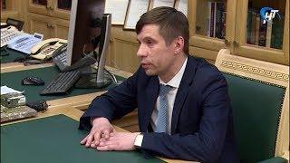 Глава Пестовского района Дмитрий Иванов, ранее заявивший об отставке, попросил у Андрея Никитина еще один шанс