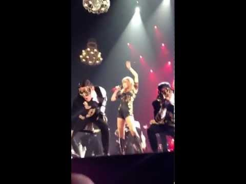 Taylor Swift I Knew You Were Trouble Outfit Change