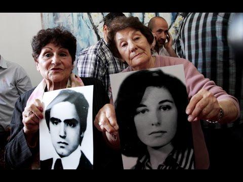 Las abuelas de la Nieta 117 en la Conferencia de prensa de su restitución