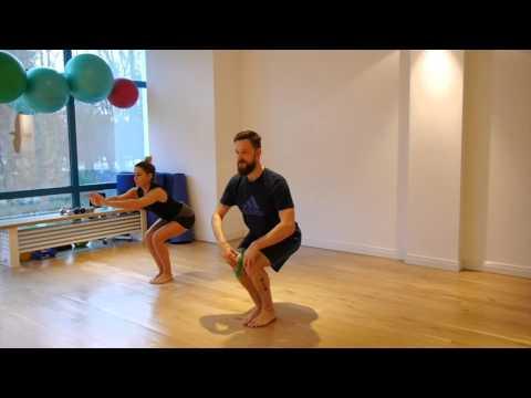 Ćwiczenia na wzmocnienie mięśni dna miednicy z zejścia na zdjęciach