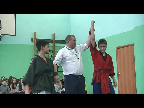 В Халиловской средней школе прошли соревнования по национальной борьбе курэш и шахматам.