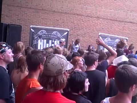 Warped Tour - All's Quiet - Bear Grylls