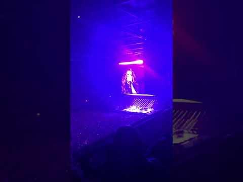 Anouk - Girl / live at Ziggo Dome / 30-04-2019