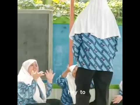 English project 8f ||Nayla||Kartina||Yolanda||Aufah||Callista