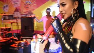"LIA CALLIA LIVE IN PEKAN RAYA BEKASI 2018 , "" LAGI SYANNTIIK "" VIDEOBY : JHOSE SEGA"