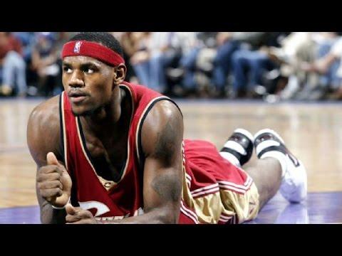 Lebron James' First NBA Game (INCREDIBLE)