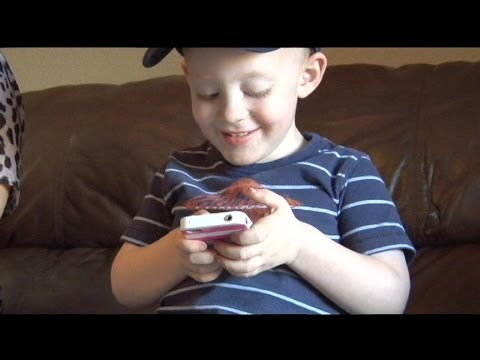 Toddler Uses Smartphone to Save Mom's Life