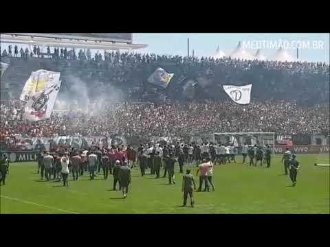Cássio agradece Fiel em treino aberto na Arena Corinthians