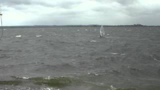preview picture of video 'Windsurfing at Datchet 08/06/2012 #2'