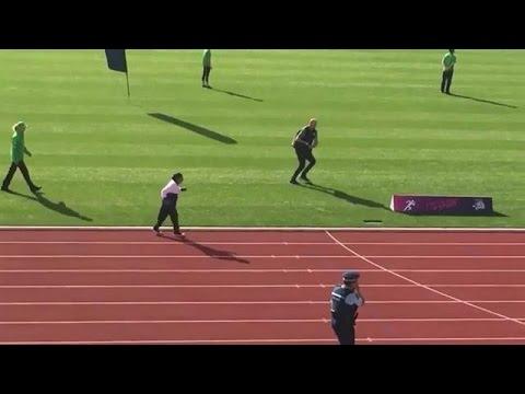 101-jarige wint gouden medaille op 100 meter sprint - RTL LATE NIGHT