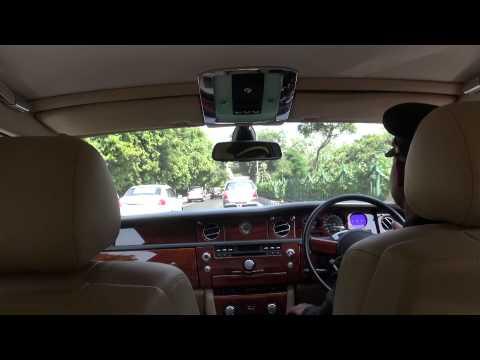 Rolls Royce Phantom, IGI-The Leela Palace, New Delhi, India
