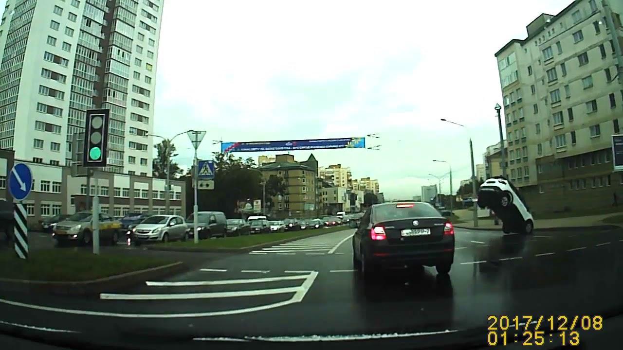 Необычное ДТП на проспекте Машерова в Минске, девушка вышла в шоке.
