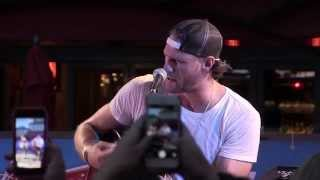 Chase Rice - How She Rolls
