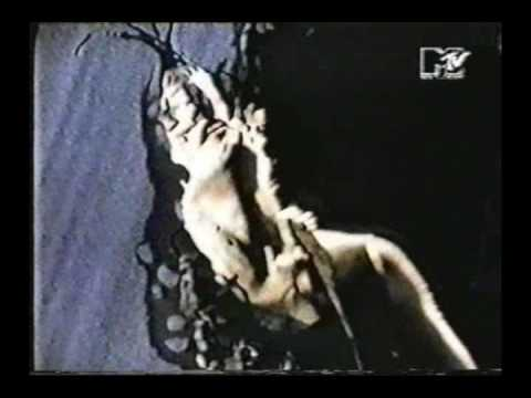 L7 - Fast and Frightening online metal music video by L7
