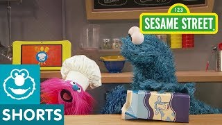 Sesame Street: Fruit Smoothies With Milk | Cookie Monsters Foodie Truck