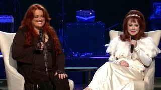 Wynonna Judd Defends Mom Naomi Against Robin Leach!