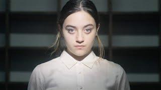 Laura Cahen - Dans mon lit (Clip Officiel)