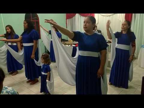 Coreografia da só o senhor é Deus de Braganey