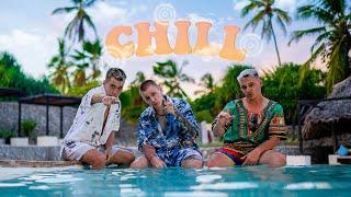 Kadr z teledysku CHILL tekst piosenki EKIPA