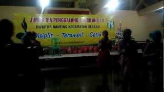 preview picture of video 'SMP N 20 KOTA SERANG   LOMBA JURILANG 2 DALAM TARI MARHABAN (24 26 DES 2012)'