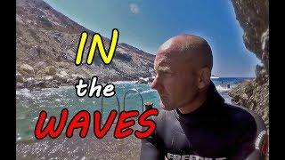 Spearfishing In The Waves - Ψαροντούφεκο στο κύμα .
