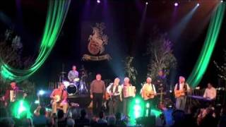 Drunken Sailor - The Irish Rovers w/ Foster and Allen - Belfast